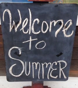 Welcome to Summer Sign
