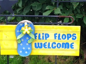 A happy sign displayed to remind us to cherish the summer!