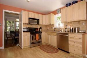 Edward-9906-kitchen